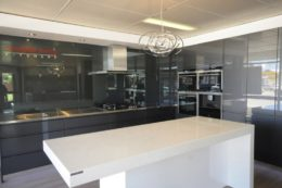 grey_kitchen